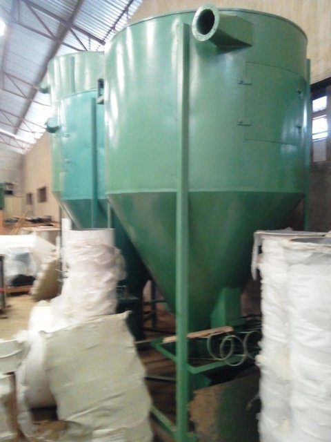 Vertical Mixer for Fish and Poultry Feed Mill
